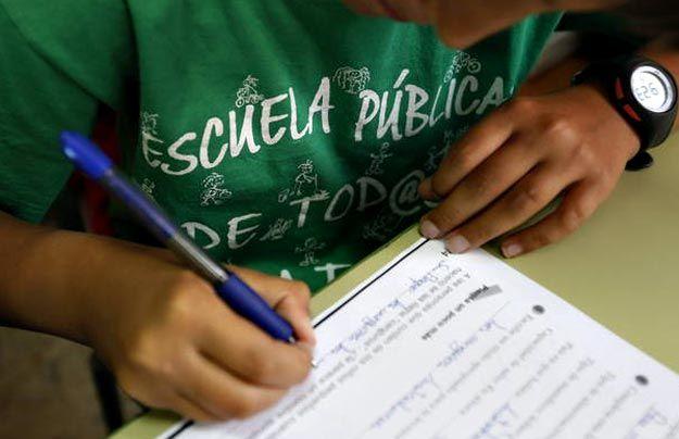 Recogida Firmas Claustros, Consejos Escolares, AMPAs, Asociaciones Alumnado