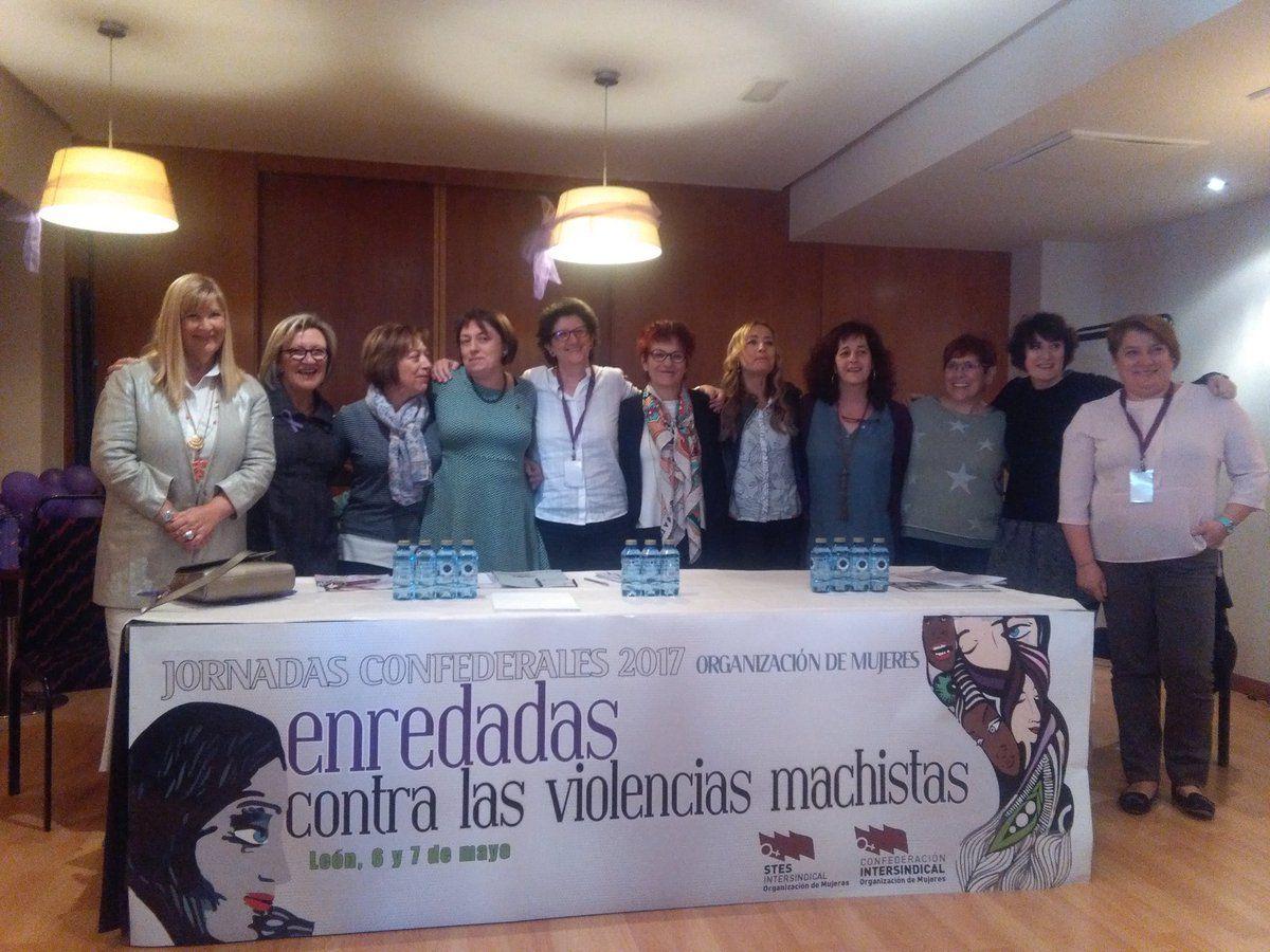 Homenaje a las mujeres responsables de la @OrgMujeresCI #OMenredadas Que viva la lucha de las mujeres!
