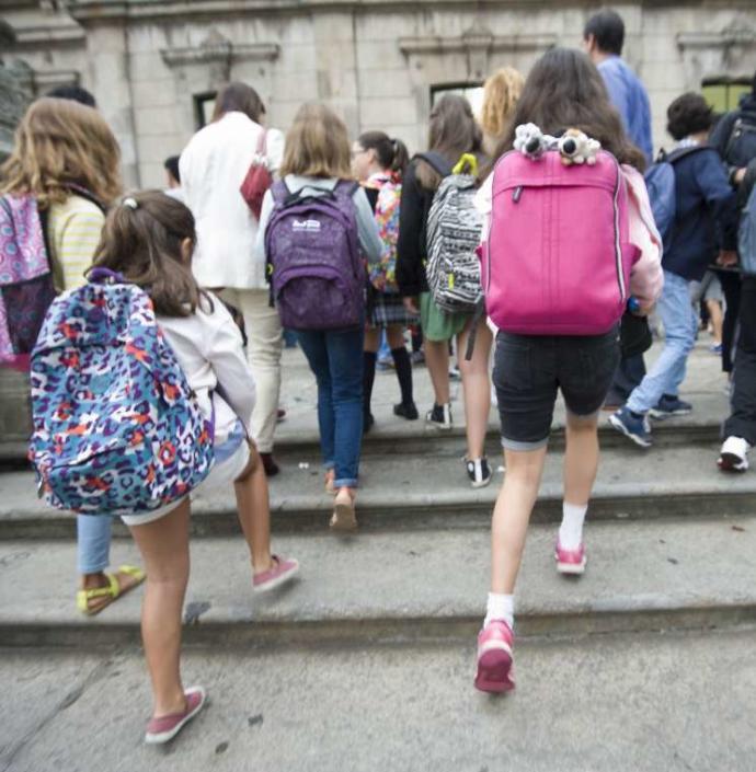 alumnado-mochilas