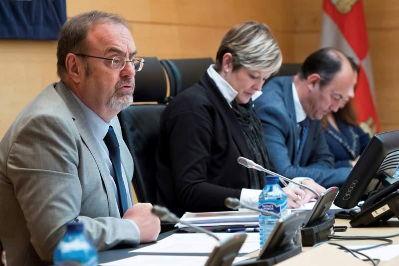 El consejero de Educación, Fernando Rey, comparece en las Cortes de Castilla y León