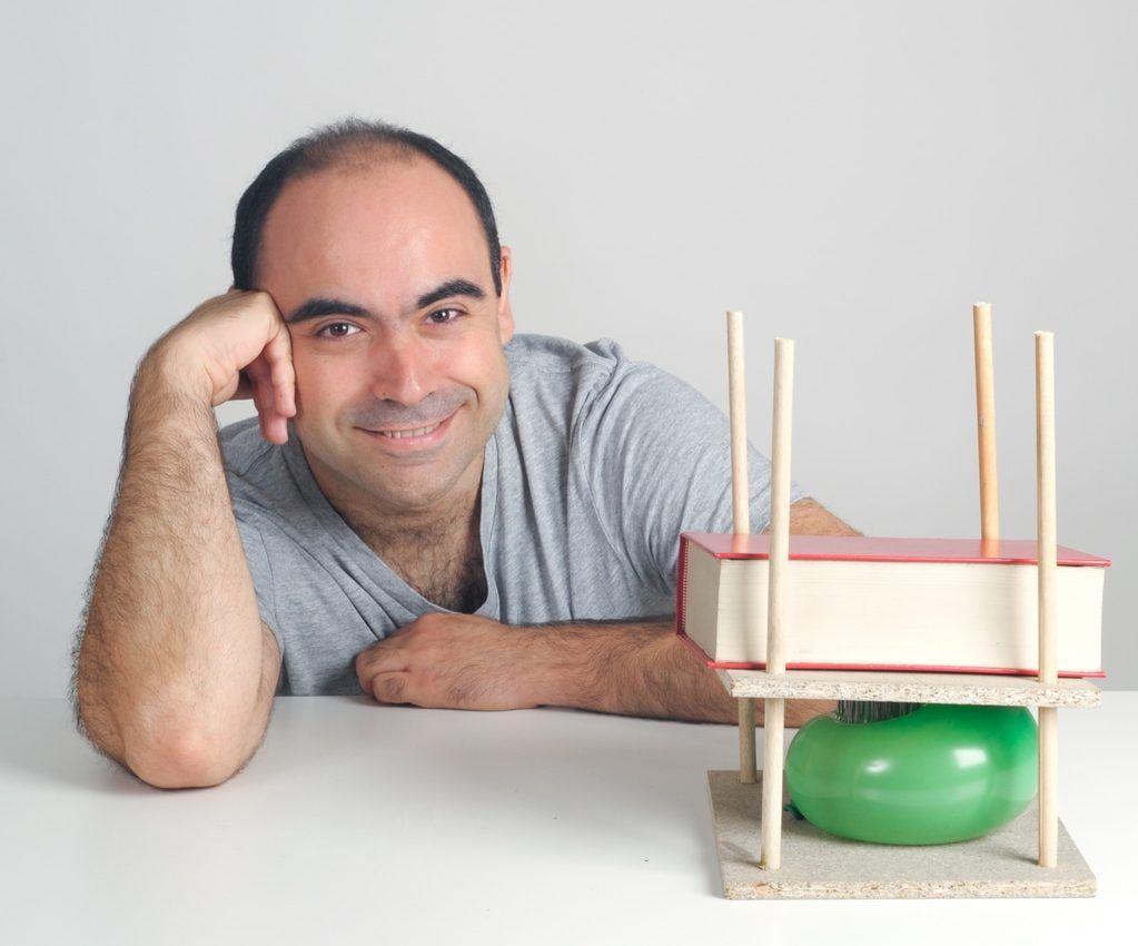 Javier Fernández Panadero. Profesor de instituto, licenciado en Física y autor de divulgación