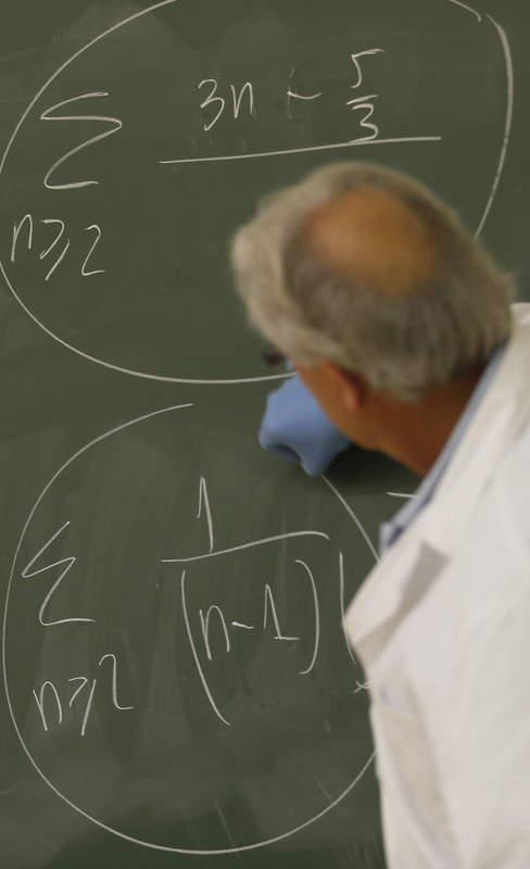 CLASE EN LA ESCUELA DE INGENIERÍA INDUSTRIAL E INFORMÁTICA DE LA UNIVERSIDAD DE LEÓN