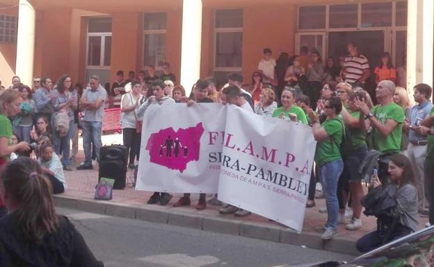 IES-ValenciaDonJuan-Protestas-Profesorado