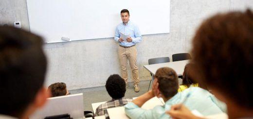 Profesor-Asociado-Universidad